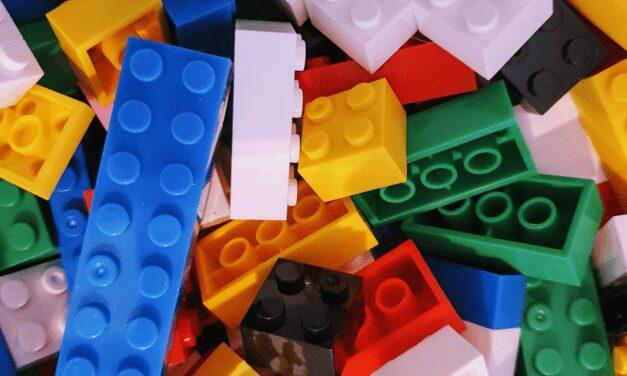 Review: Bouwstenen Van De Action (Building Blocks)